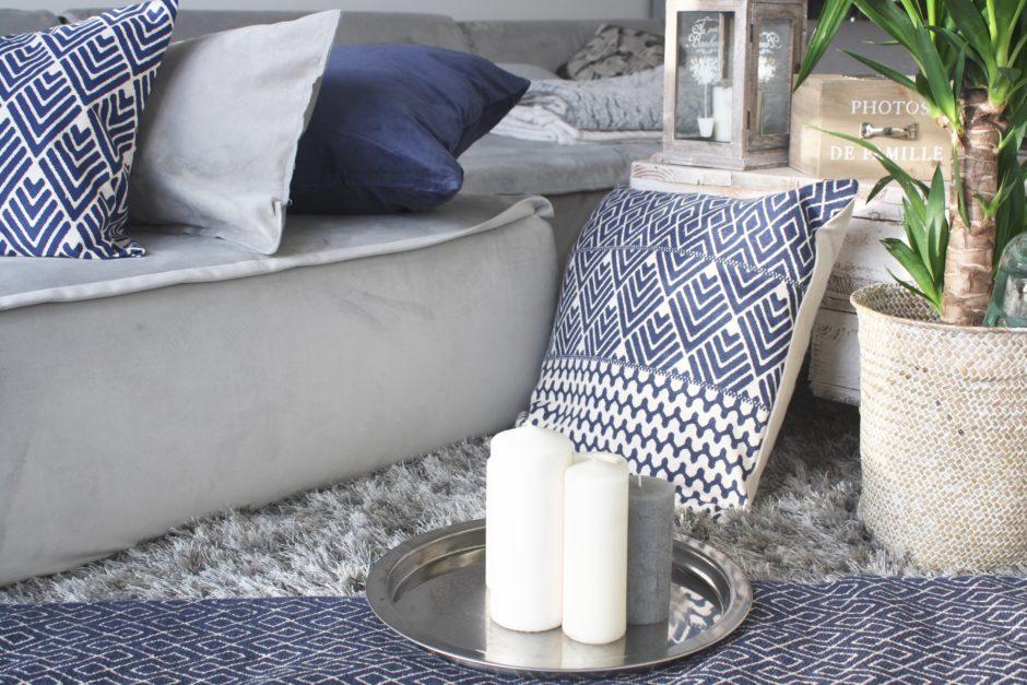 deco scandinave bleu marine changer sa deco avec 3 coussins 1 tapis begimmick. Black Bedroom Furniture Sets. Home Design Ideas