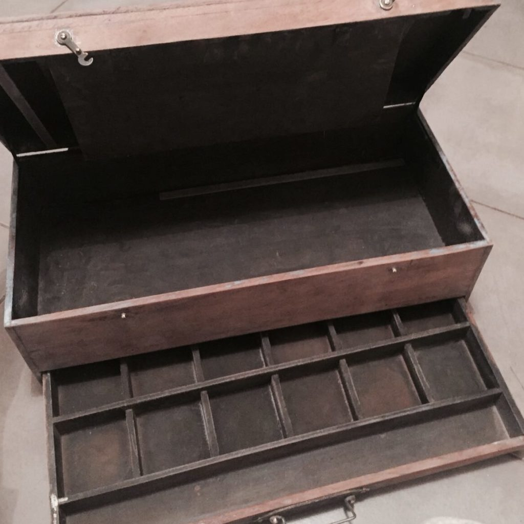 Restaurer le bois nos astuces diy begimmick begimmick for Restaurer un meuble en bois vernis